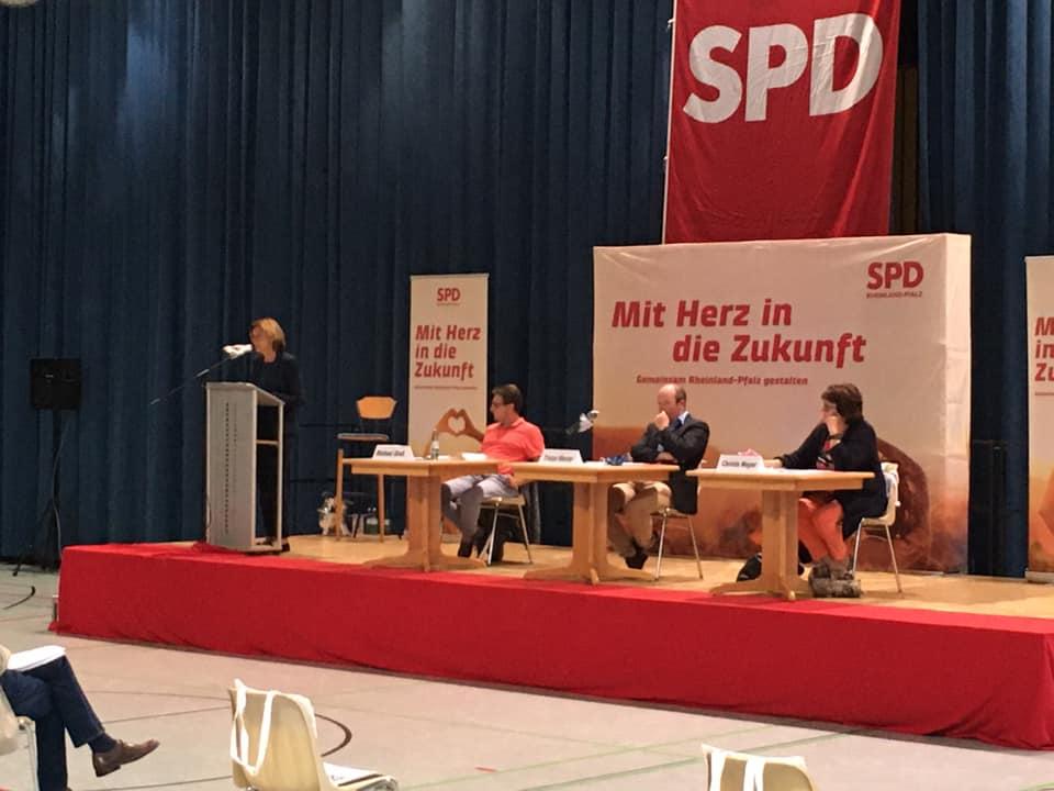 Malu Dreyer, Ministerpräsidentin eröffnet den Parteitag